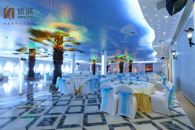 异国风情的椰林苑宴会厅,简约,清新的蓝色的基调带来舒爽的视觉享受.